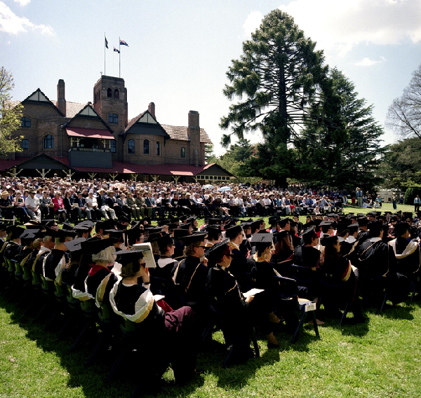 university of new england graduation