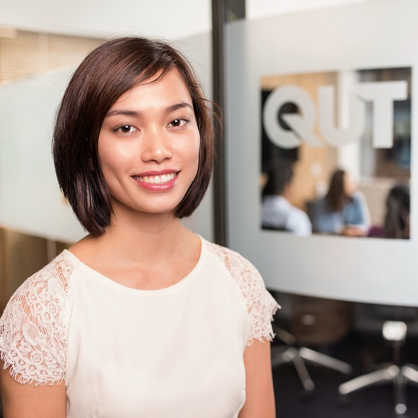 qut business school asian student